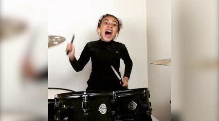 La baby batterista suona i Nirvana: il video dell'esibizione è virale
