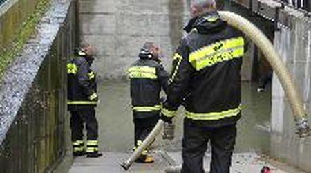 Allagamenti a Cento, vigili del fuoco in azione
