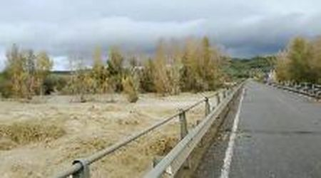 Maltempo in Maremma, il fiume Orcia è una furia