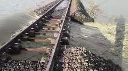 Esonda l'Idice, interrotta la tratta ferroviaria Bologna-Portomaggiore