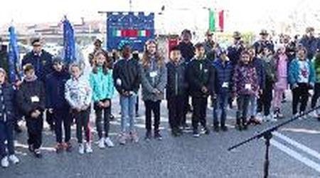Ferrara, i bambini della scuola primaria del Doro celebrano i martiri cantando Mengoni, anche in Lis