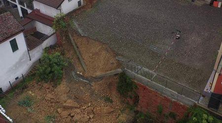 Maltempo, paura ad Alessandria: crolla parcheggio della scuola, le immagini dal drone