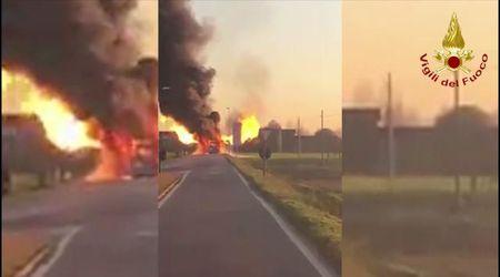 Marcon, autobus Actv in fiamme: il video del rogo