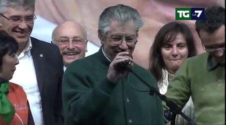 Vilipendio, Mattarella concede la grazia a Umberto Bossi per quando diede del 'terrone' a Napolitano