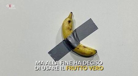 Una banana appesa con lo scotch: la nuova opera di Maurizio Cattelan vale 120mila dollari