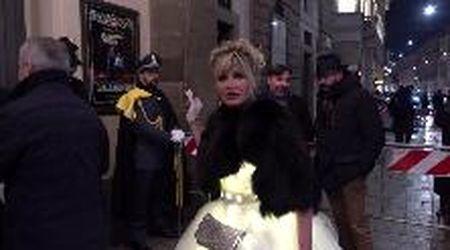 Dalle donne in kimono ai sosia di Elvis: tutte le stravaganze alla Prima della Scala