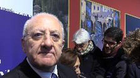 """De Luca su Salvini: """"E' uno che fa colazione con i würstel nel latte: come può cambiare l'Italia?"""""""
