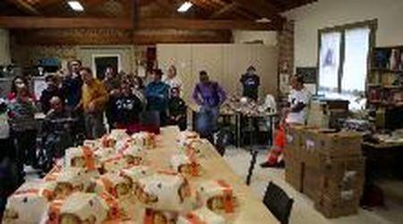 Il Lion Club Lomellina dona panettoni ai ragazzi disabili di Sannazzaro