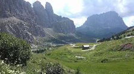 Sondaggio sul turismo nelle Dolomiti: prezzi e rumore tra le criticità