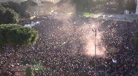 Sardine a Roma, un'invasione pacifica riempie piazza San Giovanni: il videoracconto