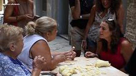 """Da Bari agli Usa, il riscatto delle orecchiette. La 'pasta lady' Nunzia al New York Times: """"Venite da noi"""""""