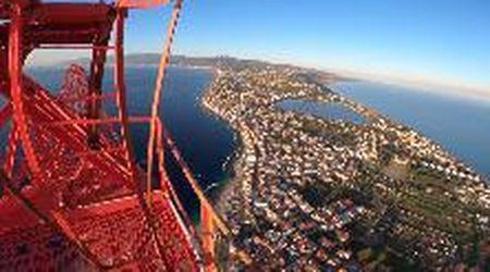 Messina, la prodezza del climber: a 220 metri d'altezza sullo Stretto