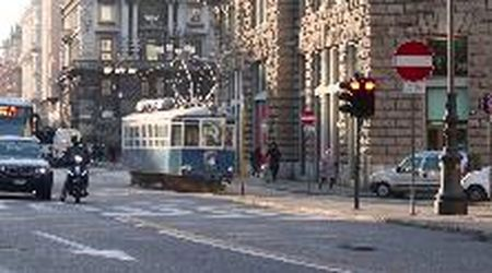 "Tram superstar: tanti i curiosi per il ""ritorno"" sui binari"