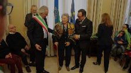 """Giornata della memoria, la mamma di Vasco: """"Felice per la medaglia a mio marito deportato"""""""