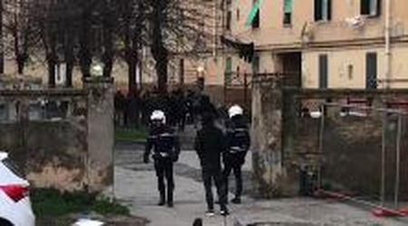 Livorno, le operazioni di sgombero alla Chiccaia