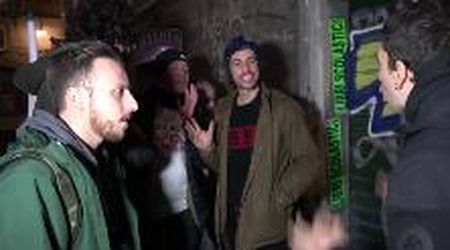 """Napoli, Santori contestato da Potere al popolo. Lui: """"Strumentale, non ho votato il Pd ma Elly Schlein"""""""