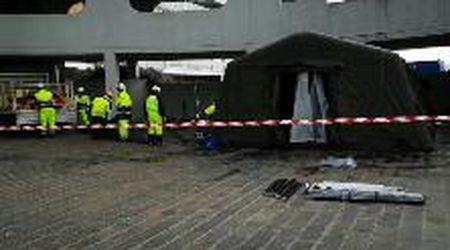 Coronavirus, la protezione civile monta le tende all'ingresso del Ca' Foncello di Treviso