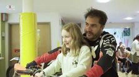 Da Belluno al Regno Unito, le moto in corsia per portare un sorriso: è la mototerapia