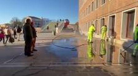 Coronavirus: a Venezia iniziate le operazioni di sanificazione di aree pubbliche