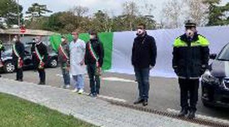 La Polizia Locale di Verona ringrazia medici e infermieri dell'ospedale di Borgo Roma