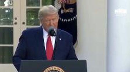"""Coronavirus, Trump: """"Invieremo all'Italia 100 milioni di dollari. Giuseppe era molto contento"""""""
