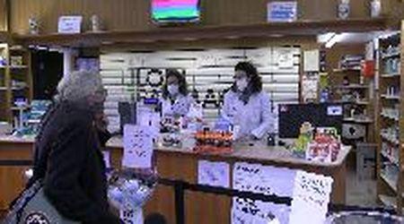 """Coronavirus, in Lombardia obbligo di mascherine. I farmacisti: """"Ma a noi non sono arrivate"""""""