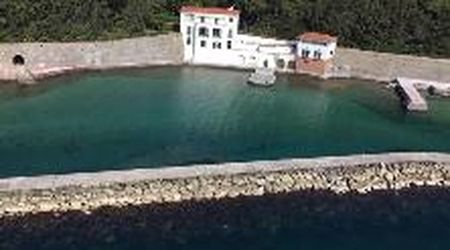 """Napoli città """"assopita"""" dal Coronavirus: il video in elicottero da Posillipo a Mergellina"""