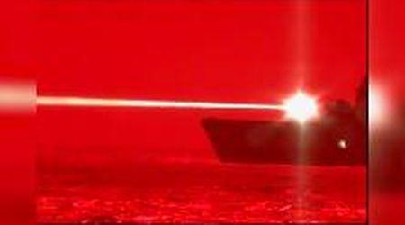 Usa, la nuova super arma della Marina Militare: il test del cannone laser