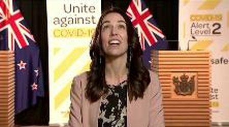 """Nuova Zelanda, il terremoto è in diretta tv ma la premier non si scompone: """"Una scossa niente male"""""""