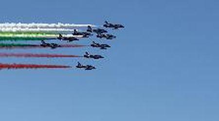 Il volo delle Frecce Tricolori su Genova