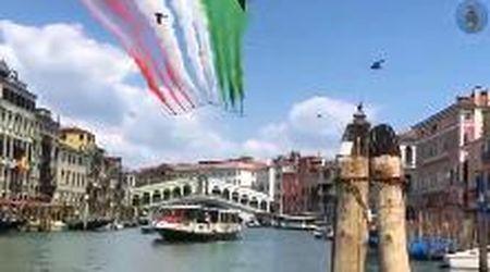 Lo spettacolo delle Frecce Tricolori su Venezia