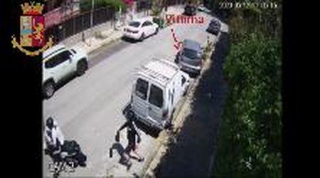 Palermo, denunciati i borseggiatori che aprivano gli sportelli di chi parcheggiava
