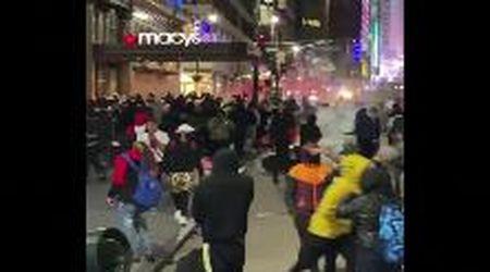 Morte George Floyd, scene di devastazione a New York: nella notte presi di assalto i negozi nel centro
