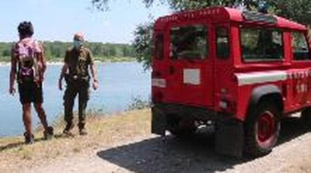 Vigevano: scivola nel fiume per salvare il cane, salvato