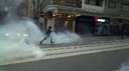 Hong Kong, proteste contro la legge di sicurezza nazionale: la polizia spara gas lacrimogeni