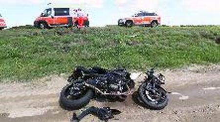 Lagosanto, motociclista si schianta contro un'auto: è grave