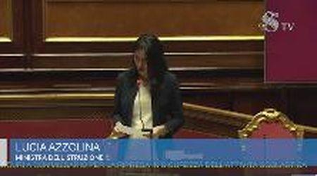 """Scontro in Senato, Lega ad Azzolina: """"Non è in grado di gestire la scuola. Si dimetta"""""""