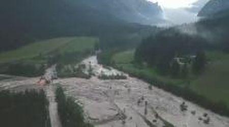 Maltempo in Alto Adige, frana il terreno a San Vigilio di Marebbe: i detriti non lontanto dalle case