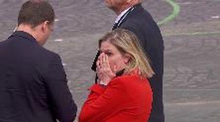 Coronavirus, dimentica la mascherina alla parata del 14 luglio: la reazione della ministra francese