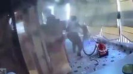 Beirut, la colf mette in salvo la bimba prima della seconda esplosione