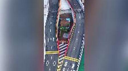 Cina, la piccola casa al centro del ponte: la proprietaria non ha voluto vendere