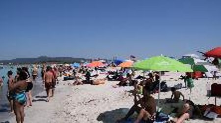 """Folla domenicale alle Spiagge Bianche: """"Gli assembramenti ci sono"""""""
