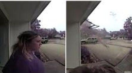 Usa, fulmine cade a pochi metri dalla ragazza: l'albero colpito esplode