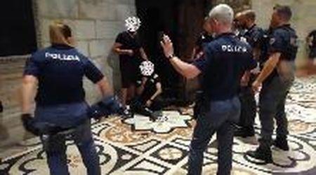 Milano, entra nel Duomo con un coltello e prende in ostaggio un vigilante: il momento dell'arresto