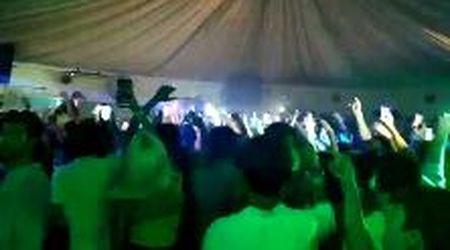 Sistiana, tutti a ballare appassionatamente, ma preoccupano le distanze di sicurezza