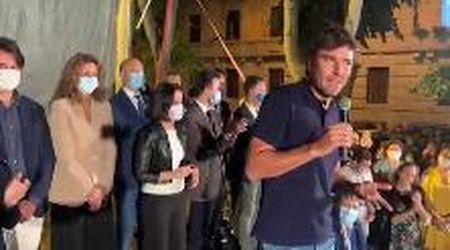 """Bari, Alessandro Di Battista contro il voto disgiunto: """"Cos'è la cabina elettorale? Un cesso pubblico?"""""""