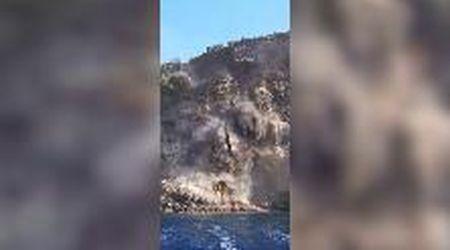 Crollo a Ventotene, frana la scogliera in mare: le immagini impressionanti