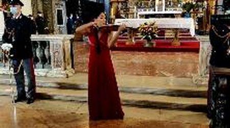 Parma, il violino da un milione di euro suonato durante la festa della polizia