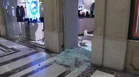 """Torino, la conta dei danni il giorno dopo la guerriglia: """"Hanno rubato tutto"""""""