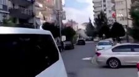 Turchia, terremoto a Smirne: il crollo di un edificio